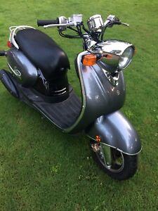 Yamaha vino 125 cc scooter