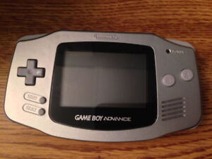 Game Boy Advance (Limited Edition Platinum)