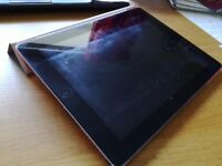 iPad 2 (16GB) + smart case/cover