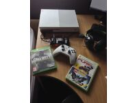 Xbox One S 500 GB Charging Pack and Turtle Beach headset With Infinite Warfare - Lego Batman - Pure
