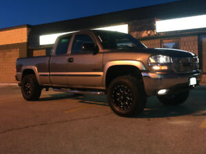 Built 2002 GMC Sierra Low KM, Mint conditon