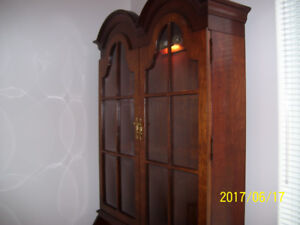 SOLID WOOD HIGH QUALITY JASPER CABINETRY BOOKCASE/DESK