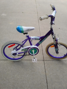 Kids bike. For 5-6 year old.