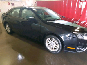 Ford Fusion - 6 Speed Manual - 95,000 km $5500 Firm