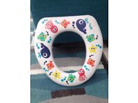 Kids potty training seat, white with fishes