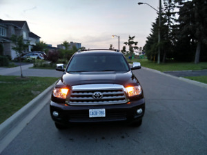2013 Toyota Sequoia Limited PKG, Sunroof, backup, Leather