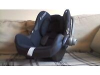 Maxi Cosi navy car seat for baby
