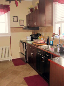 Beautiful & Spacious 3 Bedroom Apartment- Available Aug 1