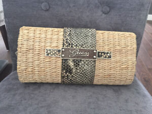 Straw clutch. Beautiful beach or hot weather Guess clutch. Perfe
