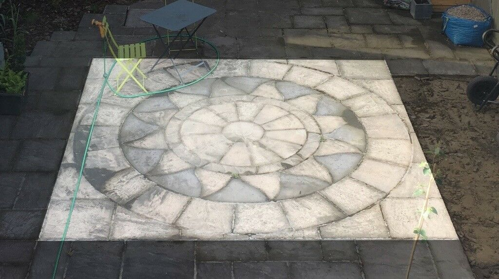 Garden/Driveway stone slabs, decorative circle 3.6m sq.