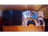 *Almost Brand NEW* XBOX One 500 GB with Original Controller & 5 games (FIFA 17, Bo3, Fifa 16..)