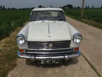 Morris Oxford, Superb Condition, Red Leather. Off-white Body work.