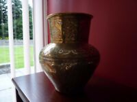 A LARGE ANTIQUE ISLAMIC BRASS, COPPER & SILVER INCENSE BURNER. C. MID 1900'S