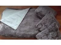 Large bed throw
