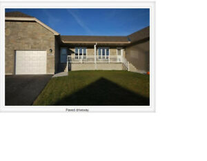 Executive Town House - about 5 mins from Renfrew Hospital