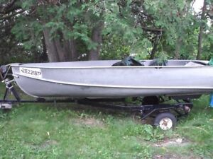 Excellent 17'  fishing Boat and trailer