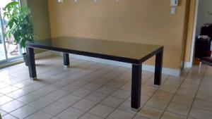 Table en bois massive brun chocolat/ chocolat brown solid wood