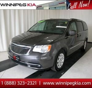 2016 Chrysler Town & Country Touring *Accident Free! Always Owne