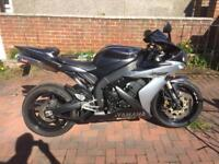 YAMAHA YZF R1 £2750 no offers