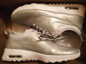 BRAND NEW Nike Air Max Thea sneakers in silver!