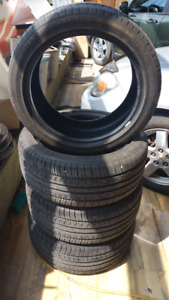 GT Radial Champiro UHP 225/45ZR17