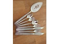 Oneida craft deluxe stainless steel cutlery.