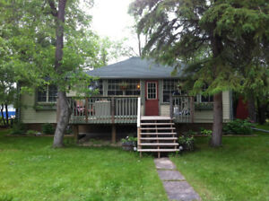 Historic 4 bedroom Winnipeg Beach cottage for rent