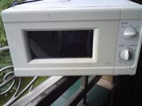 CHEAP FULLY WORKING ARGOS MM717CNF 700W MICROWAVE OVEN HARINGEY N8