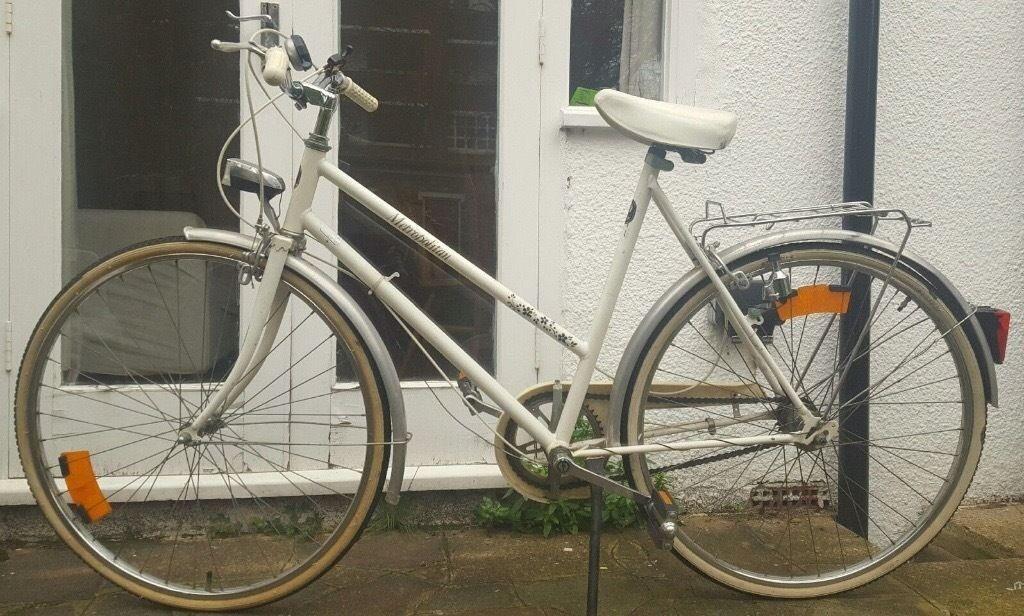 Nice ladies town bike