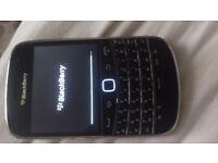 Blackberry 9900 bold unlocked fully working little paint has fallen from keypad