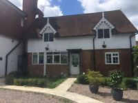 Sevenoaks Double bedroom with own Private bathroom in lovely renovated cottage with garden access
