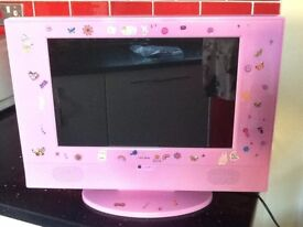 15.4 inch LCD TV/DVD Combi in pink