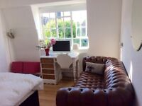 Lovely short term double room available immediately until mid September- Zone 1