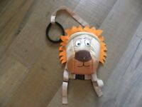 lovely lion rucksack with parent handle