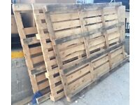 Wood pallets - 3 large used wood pallets 2.4 m x 1.7 m