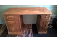 Solid Pine Desk from Jack Spratt in Newark
