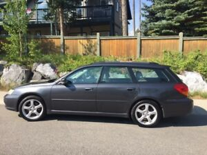 2007 Subaru Legacy Wagon 2.5i Touring Pkg - Excellent Condition