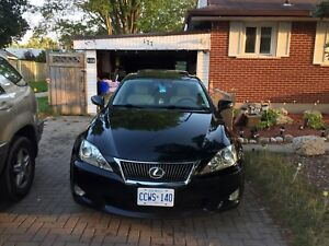 Lexus IS 250 AWD black 2009 LOW KM ! E tested & certified