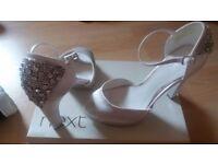 Ladies wedding shoes size 5