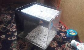 10x 10 x 10 INCH AQUARIUM/FISH TANK