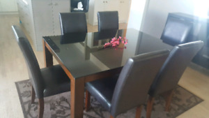 KELOWNA - Modern Dining Table with 6 Chairs