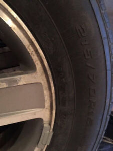 215/70/R15 5 All season tires with rims
