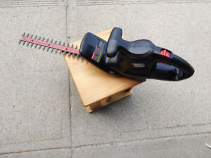 Black & Decker Hedge Trimmer Perfect condition