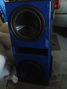 Dual Alpine Type R 3000 watts cash or trade for a phone
