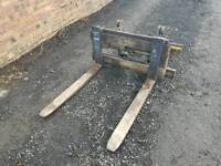 Forklift pallet forks with backplate and side sift tractor telehandler