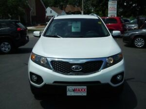 2013 KIA SORENTO LX V6- BACKUP SENSOR, HEATED FRONT SEATS, REMOT