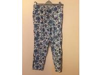 Printed summer trousers size 38 (10/12?)