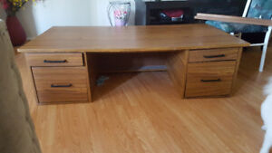 sturdy desk.5 ft × 2 ft 6 in