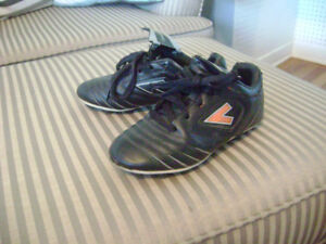 Size 1 Mitre Soccer Shoes with interchangeable color symbol