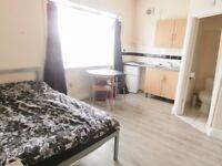 ERDINGTON RECENTLY CONVERTED MODERN FULLY FURNISHED ONE BED ROOM BEDSIT STUDIO FLAT